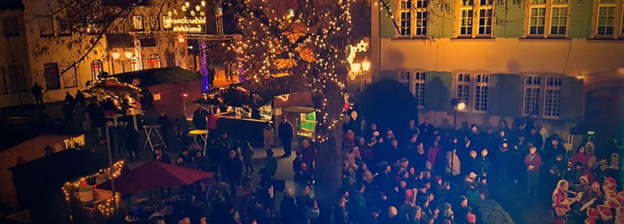 Weihnachtsmarkt Rathausplatz Gondelsheim